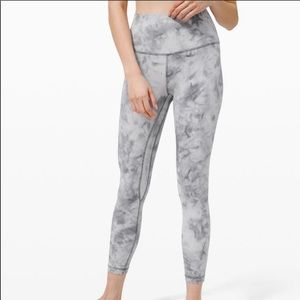 Lululemon diamond dye gray leggings